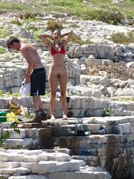 rajce.idnes  nakd butt http://img13.rajce.idnes.cz/d1302/11...s/P1050369.jpg · http://img13.rajce. idnes.cz/d1302/11...s/P1050372.jpg