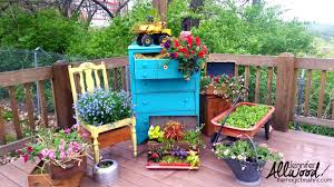 10 creative container ideas for people who love the container