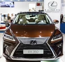 lexus manufacturer recall lexus class action claims sunroof spontaneously shatters