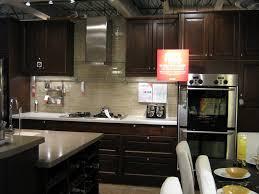 Pendant Light Kitchen Backsplash Ideas With Cherry Cabinets - Kitchen backsplash ideas dark cherry cabinets