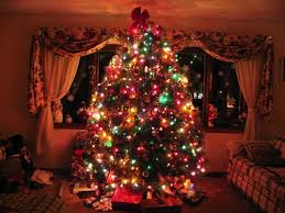 Božićna drvca Images?q=tbn:ANd9GcQlkq72qkr0TtVOMGQN32GVtfXsRNtKWqVIYveAJI1Unb6Z8tAf