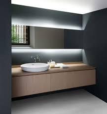 Bathroom Cabinet With Mirror And Light by Best 25 Modern Bathroom Lighting Ideas On Pinterest Modern