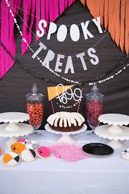 halloween party theme ideas halloween party 22 spooky and fun diy party decorations and