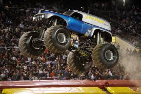 bigfoot king of the monster trucks images for u003e grave digger monster truck monster trucks