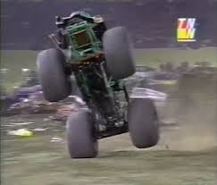 bigfoot monster truck wiki pontiac 2000 monster trucks wiki fandom powered by wikia