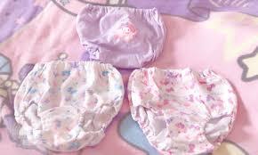 エロ女児パンツ|私の最近のブームは綿生地のパンティー。ごわついた感覚が落ち着きます。