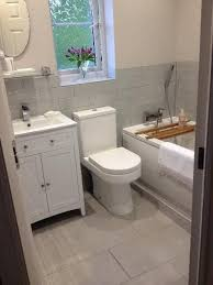 Small Bathroom Ideas Uk The 25 Best Small Bathroom Decorating Ideas On Pinterest