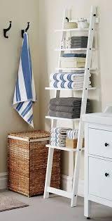 Coastal Bathroom Accessories by Best 20 Beach Bathrooms Ideas On Pinterest Beach Bedroom Decor