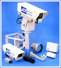 كاميرات المراقبه وانظمه الامان للابواب والشقق والسيارات والمصانع Images?q=tbn:ANd9GcQso65R6dqstbKdu3t4YoBjs2c00FjHFp4LxTrsubcUoUDnZdj3