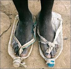 Fakir Afrikalı 18 yaşında'ki nijerya'lı kadınlar  italyan mafyaları tarafından İtalya'da  ve Hollanda, Almanya, Norveç'de zorla orospuk yaptiriliyor. www.aybilgi.net