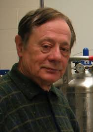 Il ricercatore italiano Ercole Cavalieri scopre le sostanze anti cancro