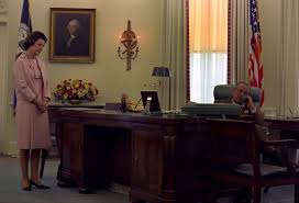 trump desk which of these 6 oval office desks will donald trump pick