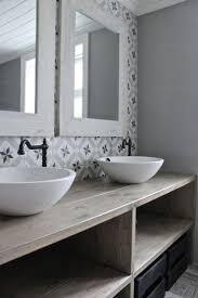 Wall Tile Bathroom Ideas by 25 Best Vintage Bathroom Tiles Ideas On Pinterest Tiled