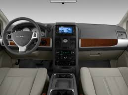 2009 chrysler town u0026 country reviews and rating motor trend
