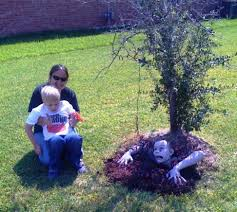 halloween yard decorations diy diy scary halloween decorations