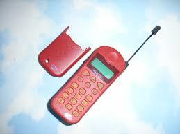 HIGH TECH : J'ai le même téléphone que James Bond ! dans Design