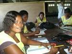 Bringing Business to a Sewing Cooperative / Apport d