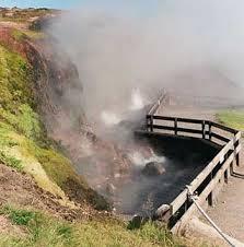 Inilah Tujuh mata air terpanas didunia - Deildartunguhver: highest flow hot spring in Europe