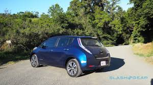 nissan leaf vs chevy bolt 2016 nissan leaf vs 2016 volkswagen e golf range anxiety slashgear
