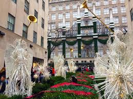christmas window displays u0026 decorations in new york city travels