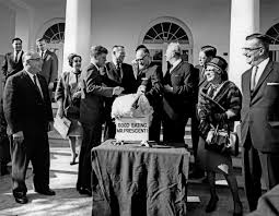 the date of thanksgiving 2014 file president john f kennedy receives the 16th white house