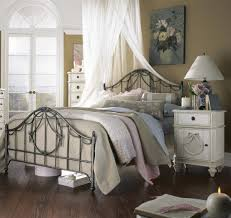 Vintage White Bedroom Furniture Vintage Bedroom Furniture Sets Curved Brown High Gloss Finish