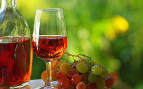 Primeira fotogarfia publicada no artigo Provence encerra colheita de uvas em baixa