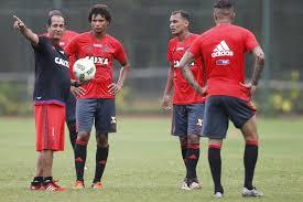 Com retorno de Emerson, Flamengo encara Macaé em busca da 1ª ...