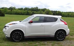 nissan juke white and red 2013 nissan juke nismo quick drive motor trend