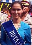 ... menciutkan semangat sang Duta Lalu Lintas, Sheila Purnama Bulan (21). - duta-lantas-sheila