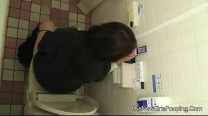 toilet spy girl|