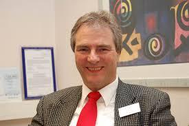 Strahlende Gesichter in der Mediclin Klinik an der Lindenhöhe: Chefarzt Ulrich Frommberger erhielt den mit 120 000 Euro dotierten Christian-Roller-Preis. - 12356586