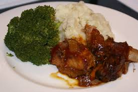 cooker country ribs with mashed potatoes