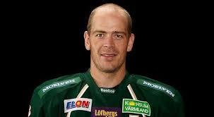 Domare: Mikael Nord. Modo stal tre poäng i Karlstad. Anders Bastiansen blev ensam FBK-målskytt när Färjestad avlossade 44 skott på Mikael Tellqvist. - Modo-stal-tre-poang-i-Karlstad
