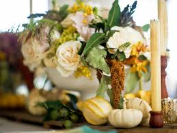 holiday centerpieces for every skill level hgtv u0027s decorating