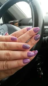 gelish vs shellac comparison by a nail technician