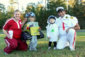 Group Family Halloween Costumes by Put Up Your Dukes Wall E Ween Homemade Diy Group Wall E Costumes
