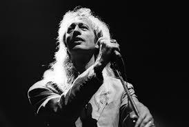 Robin Gibb a décidé de faire danser les anges, et moi : j'ai deux mots à dire à Dieu !!! dans La musique que j'aime...