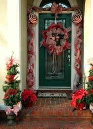 10 unique christmas front door decorations ideas