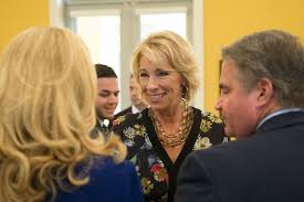 betsy devos meets with students faculty during fiu visit