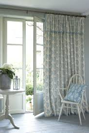 tips to choosing beautiful pinch pleat curtains the ultimate guide to choosing the right curtains for your home