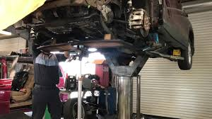 removing the engine out of a honda crv for body repair time lapse