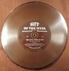 HIT-OF-THE-WEEK ORCHESTRA BERT HIRSCH, DIRECTOR Released in the US c Jan. 15 1931 - tn-750_DHOTW_1118_Disc-Obv