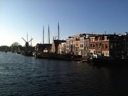 Here     s a picture of Leiden I took yesterday to show you that it     s not all doom and gloom