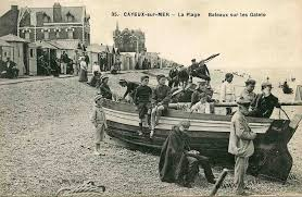 Villes et villages en cartes postales anciennes .. - Page 3 Images?q=tbn:ANd9GcREzu4O-XjOgF3m7kj7Q4un8tp15Ky8W4qA_LrrZKL-MSkVLfda