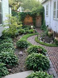 Garden And Patio Narrow Side Yard House Design With Simple