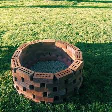 How To Make A Fire Pit In Backyard by Best 25 Old Bricks Ideas On Pinterest Brick Path Brick Garden