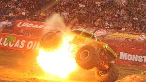 how many monster jam trucks are there monster truck crash u0026 monster jam video collection 2017 youtube