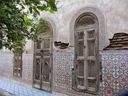 Keyhole Doorway by The Emblematic Moroccan Arch Find Buy And Renovate A Riad In