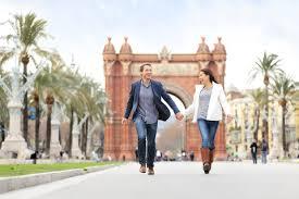 couple in barcelona spain Visa Hunter
